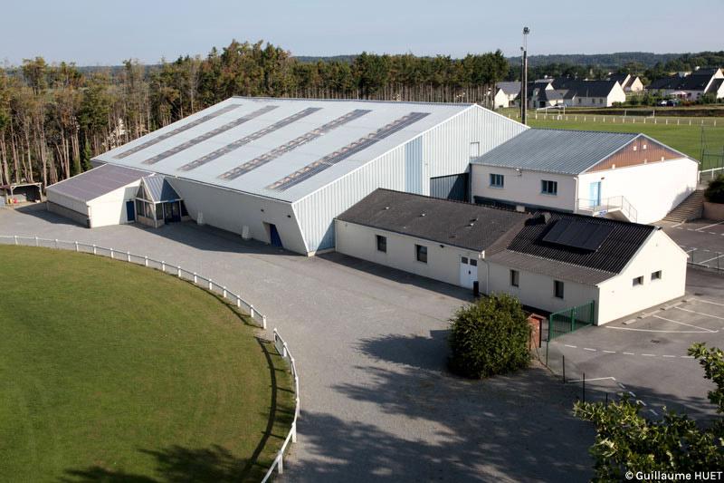 Le complexe sportif de la croix jacques commune de nivillac for Piscine nivillac